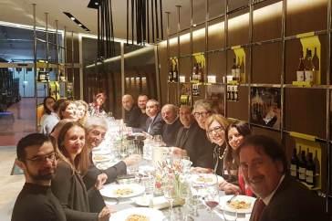 cena con Oscar Farinetti