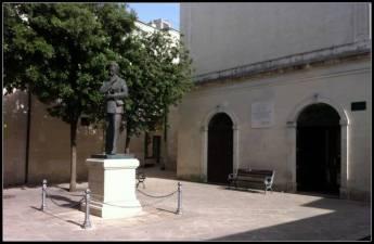 Casa natale e monumento di Moro