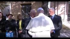 Marcello e Trifone Bello con Papa Francesco al cimitero di Alessano