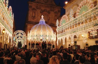 Galatone, la festa in piazza
