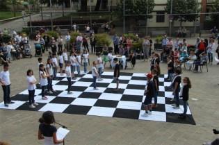 Una partita di scacchi vivente (foto generica)