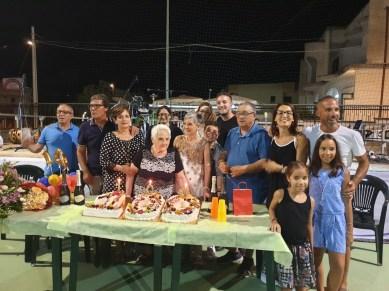 Rosaria Petruzzi festeggiata per i suoi 100 anni