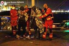 I migranti sbarcati a Otranto