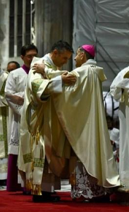 Fabrizio Santantonio e l'arcivescovo Mario Delpini