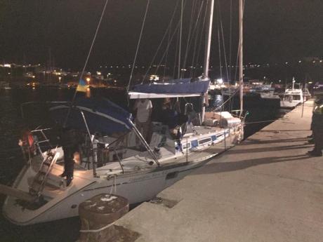 La barca a vela giunta a Leuca