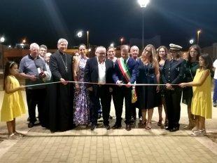 Mancaversa, l'inaugurazione della piazza con il vescovo Filograna