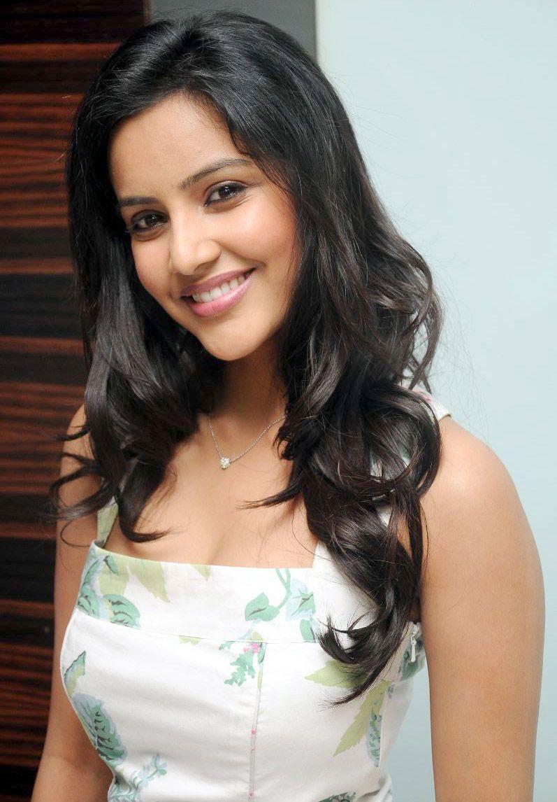 Hindi Girl Wallpaper Hd Priya Anand Hd Images And Pictures Picamon