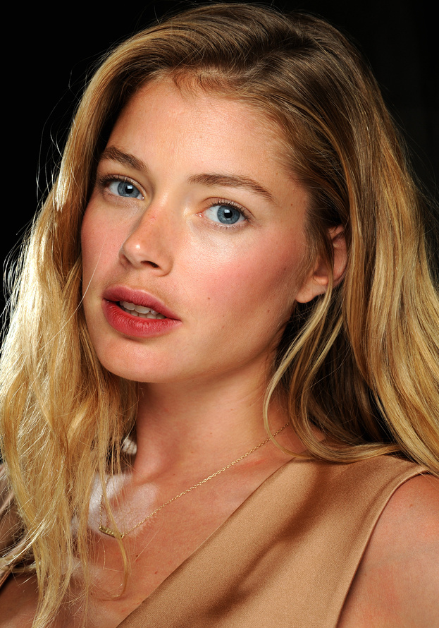 Cute Wallpapers For Girls Designs Doutzen Kroes Hd Hd Images And Pictures Picamon