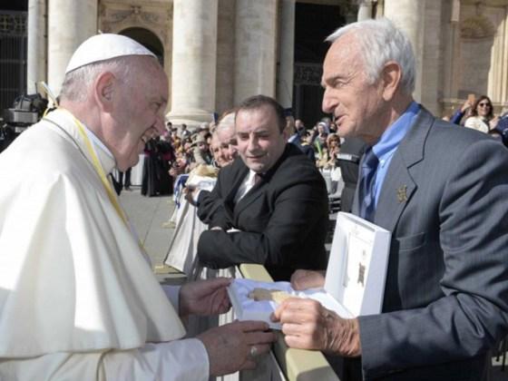 consegna del testimonium al papa