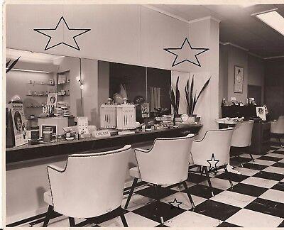 2 photos vintage salon de coiffure 24 x 18 cm braine le comte annees 60