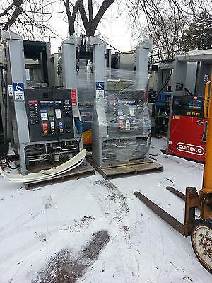 DRESSER WAYNE OVATION B12bGas Pump Fuel Dispenser with Card Reader  Wayne VAC  214736