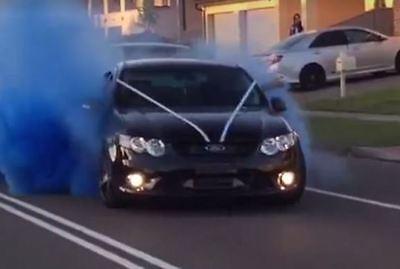 gender reveal car tire burnout bag holi