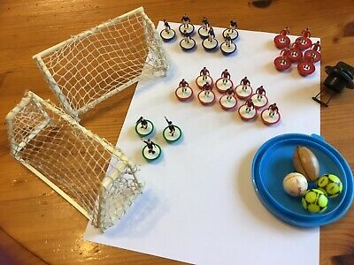 subbuteo job lot,2 Nets 3 Linesman,6 Men In Red S,9 men dark red shorts