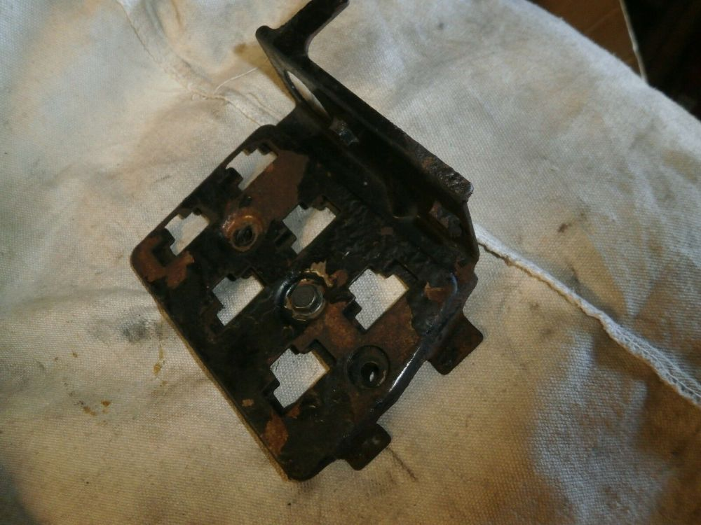 medium resolution of kawasaki z1000 z1100 ltd fuse box bracket connector blocks 23 31 kawasaki z1000 z1100 ltd fuse