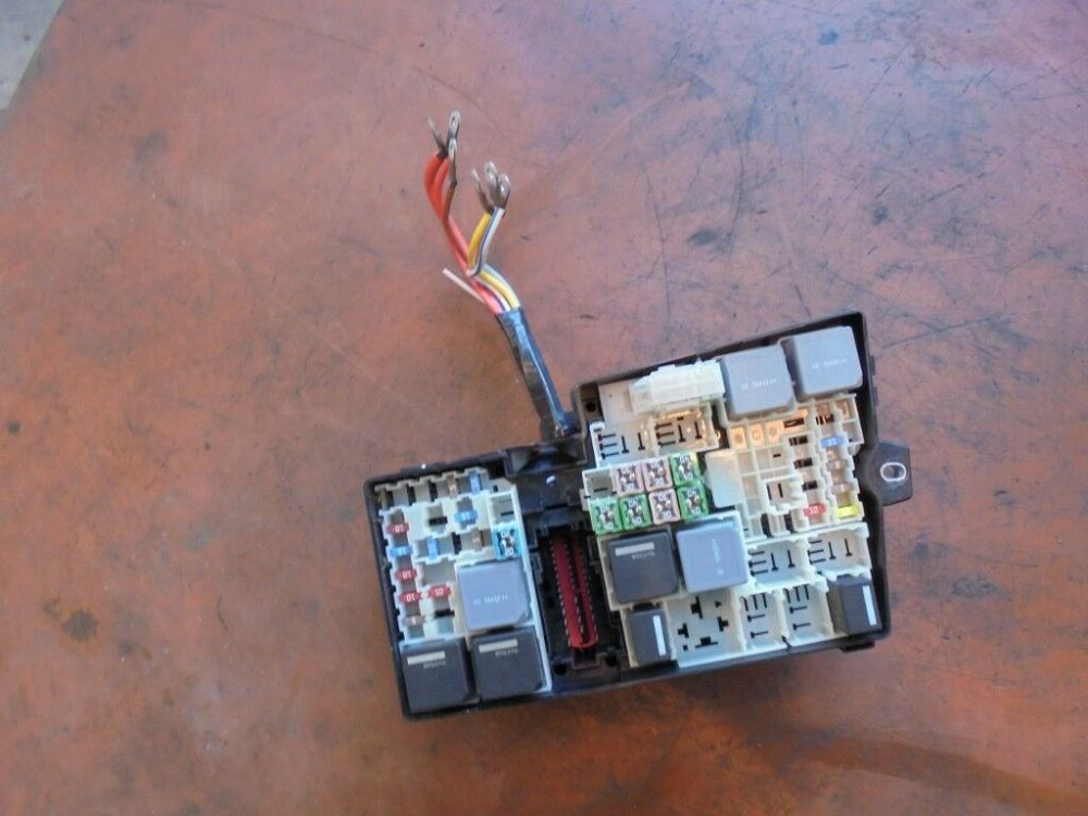 medium resolution of 2016 ford focus 1 6 tdci diesel fuse box relay av6t 14a067 ad 1 of 6only 1 available