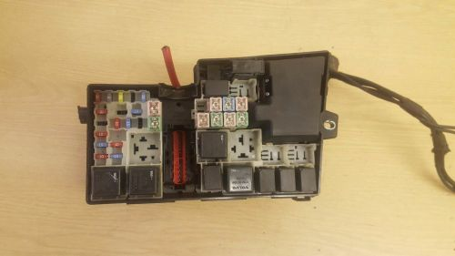 small resolution of volvo s40 v50 fuse relay box 8688040 1 of 3only 1 available see more