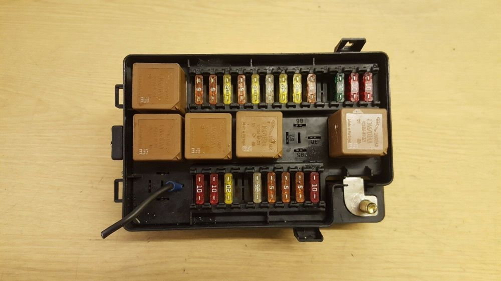 medium resolution of jaguar xj x308 xj8 fuse box lnf2822ab 1 of 3only 1 available