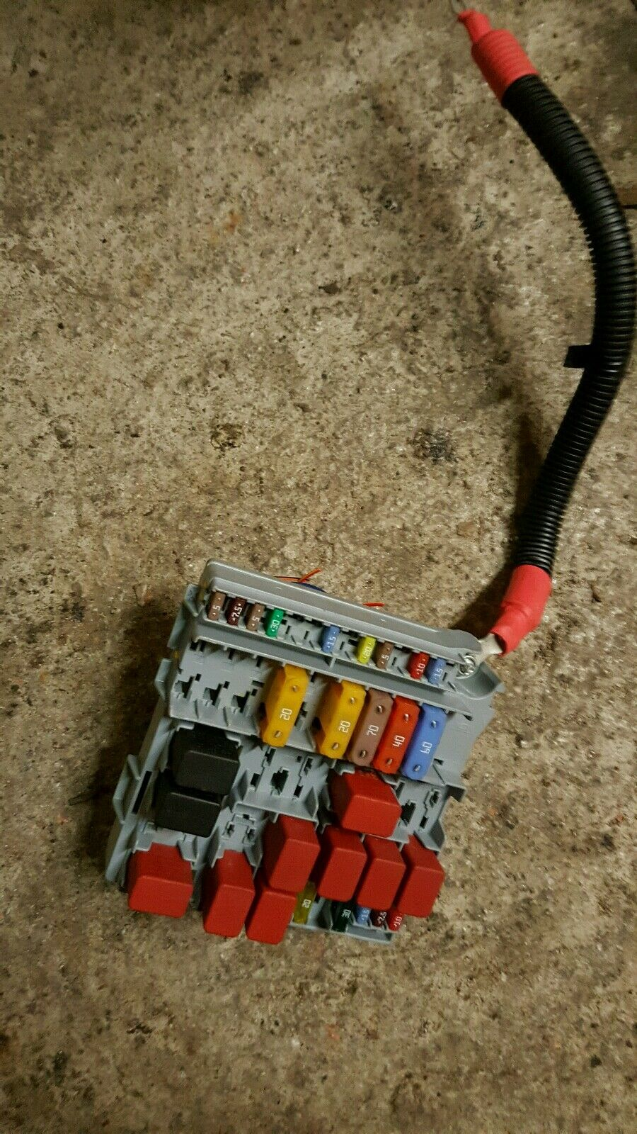 hight resolution of fiat 500 2013 fuse box module 51905216 1 of 3only 1 available