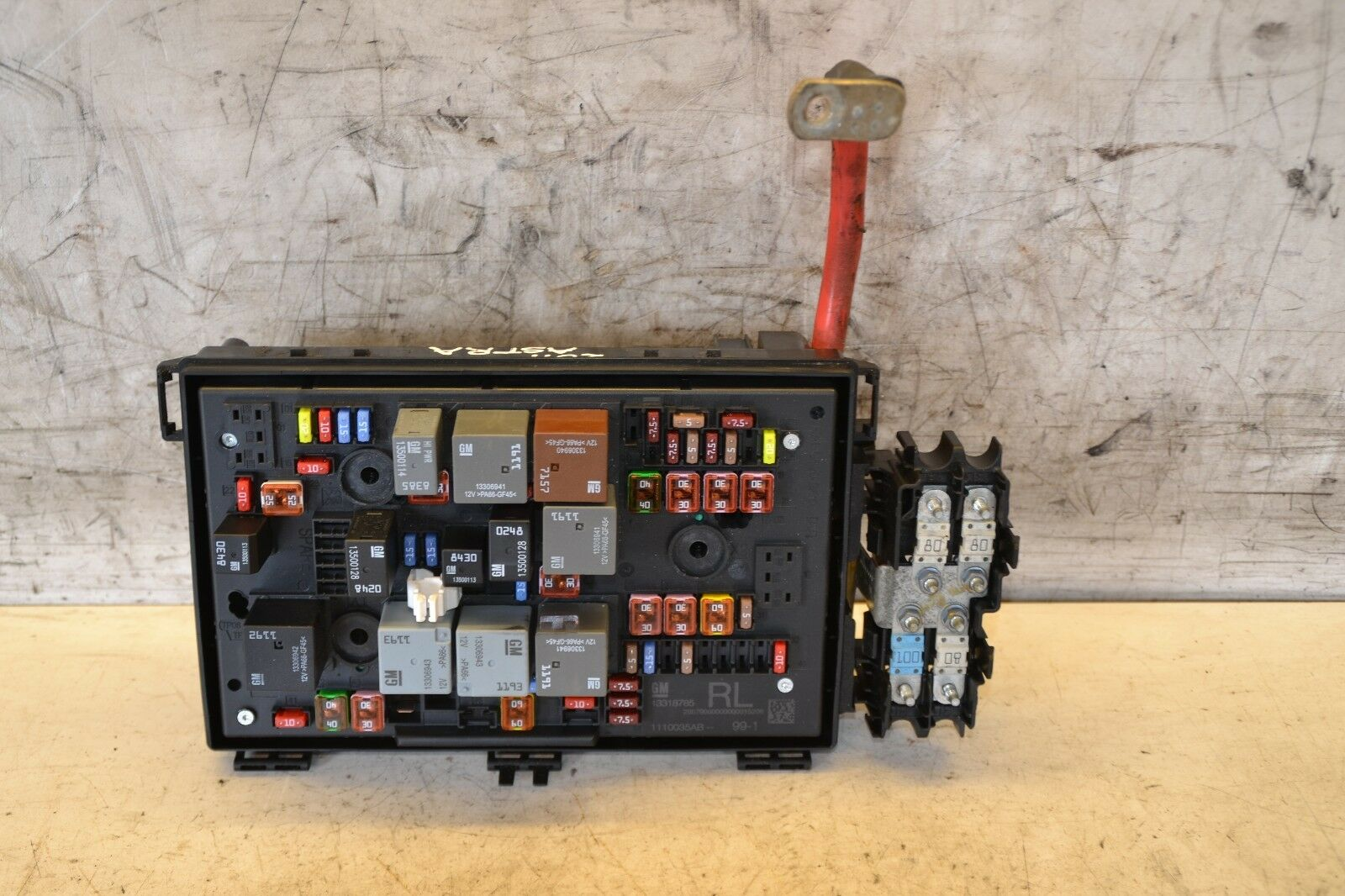 hight resolution of vauxhall astra mk6 front fuse box 2 0 cdti 2011 13318785 eur 78 22 picclick fr