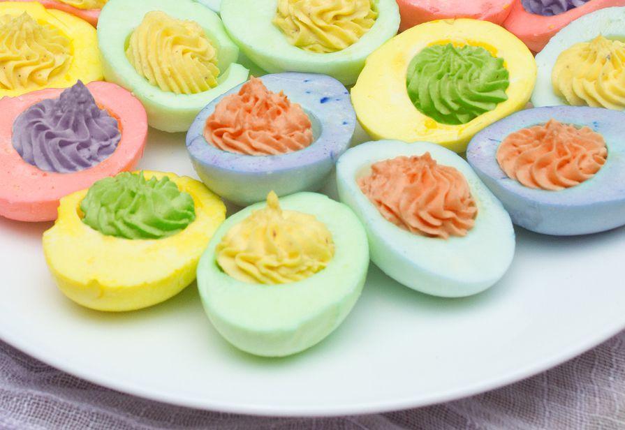 Uova multicolor
