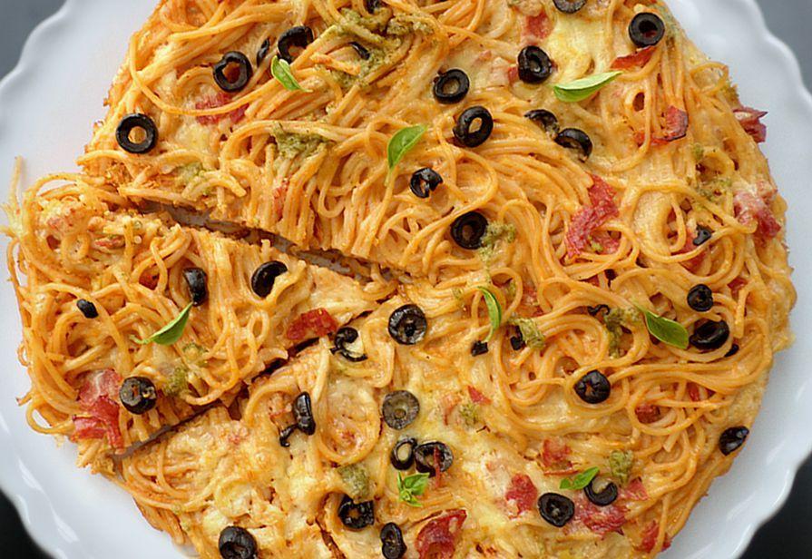 Pizza di spaghetti