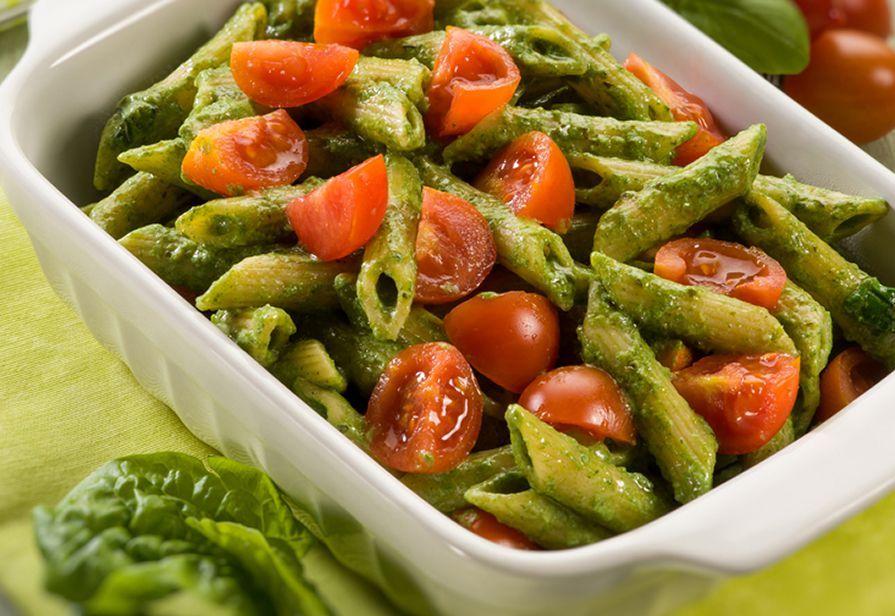 Pasta agli spinaci e pomodorini
