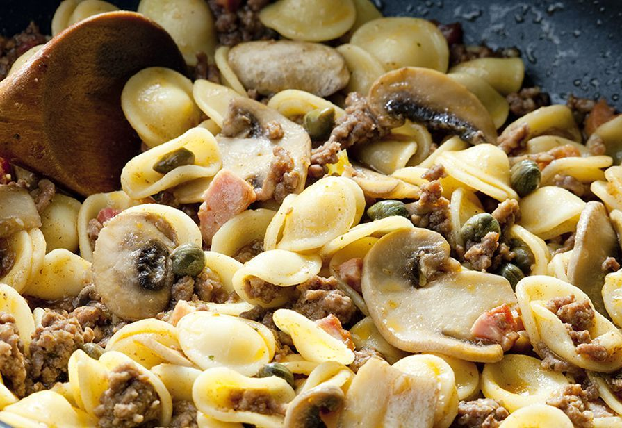 Orecchiette funghi e salsiccia