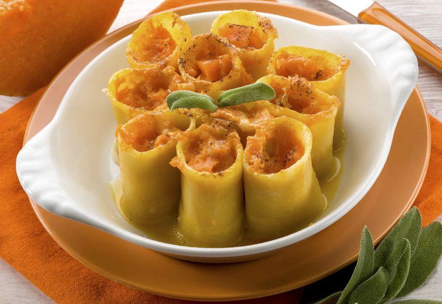 Ricetta paccheri ripieni di zucca e salsiccia la ricetta - Come cucinare salsiccia ...