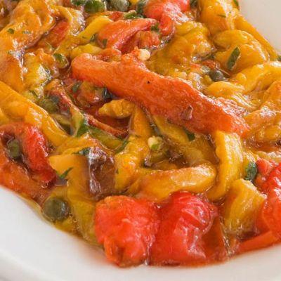 Peperoni arrosto in insalata