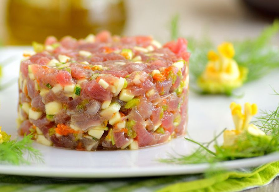 Tartare di tonno e zucchine