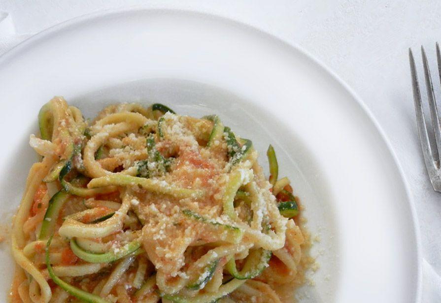 Spaghetti in rosa con verdure