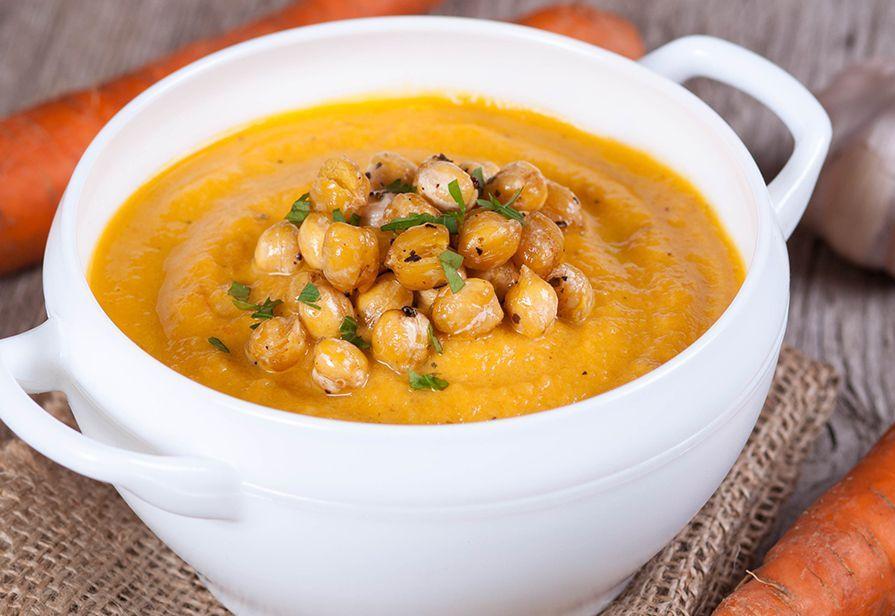 Crema di carote con ceci croccanti