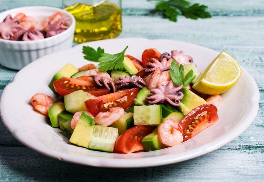 Polipetti e gamberetti in insalata