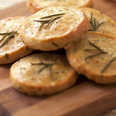 Biscottini salati al rosmarino