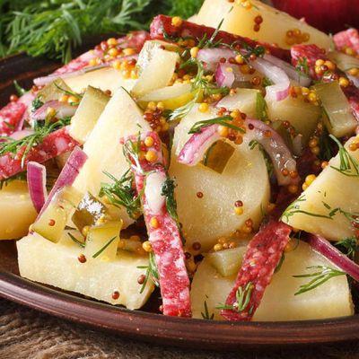Insalata di patate e salame