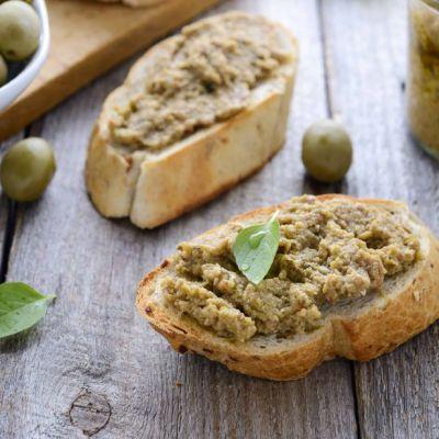 Crema piccante di olive verdi