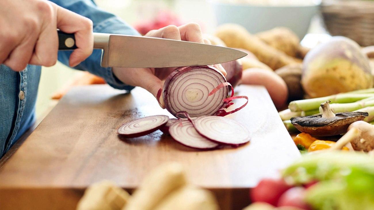 Tagliare le cipolle senza piangere