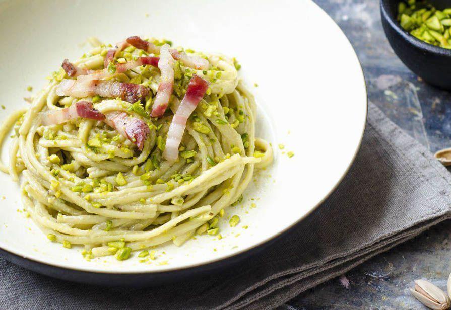 Spaghetti ai pistacchi e guanciale