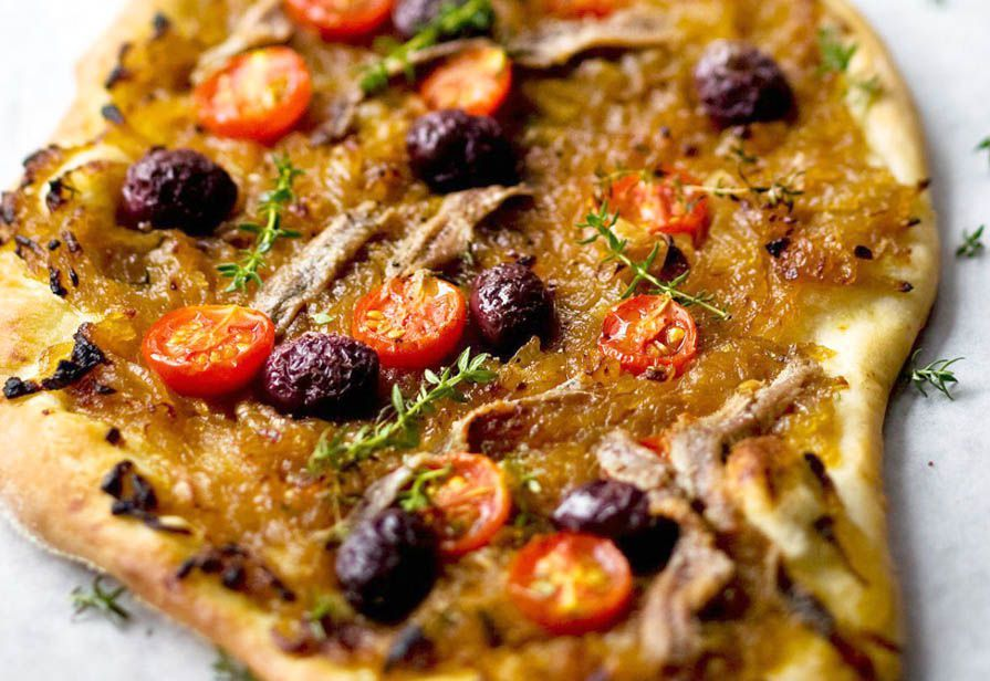Pizza alle cipolle caramellate