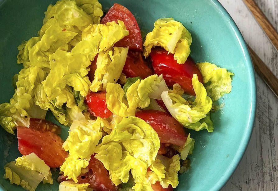 Insalata agrodolce lattuga e pomodori