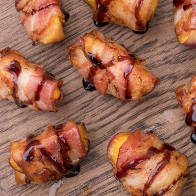Involtini di pesche e bacon