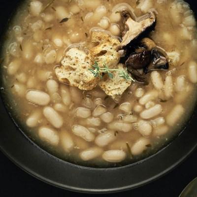 Zuppa di cannellini e funghi