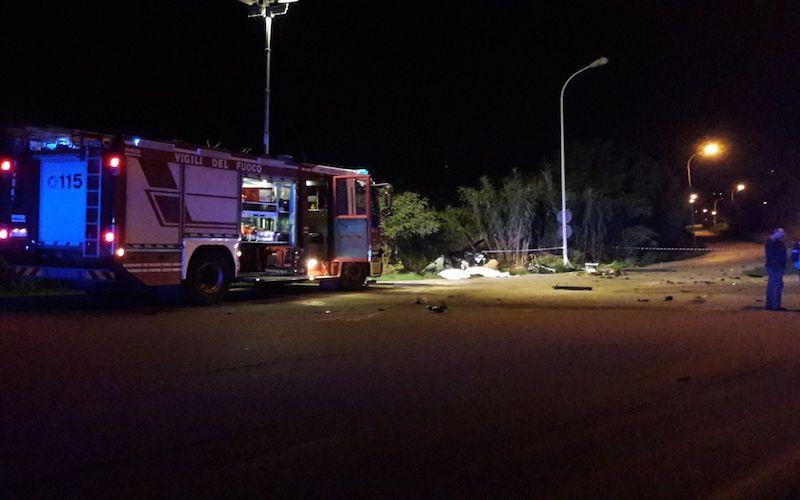 Gravissimo incidente stradale: due morti e un ferito