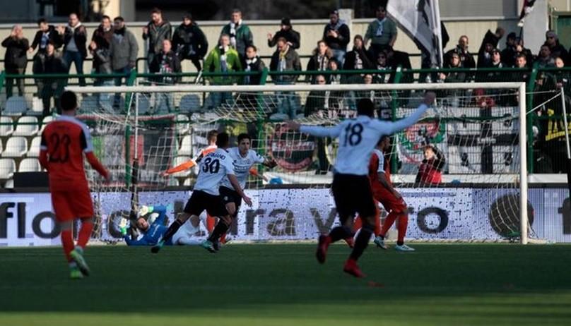 Cosmi furioso dopo Pro Vercelli-Ascoli 2-0: