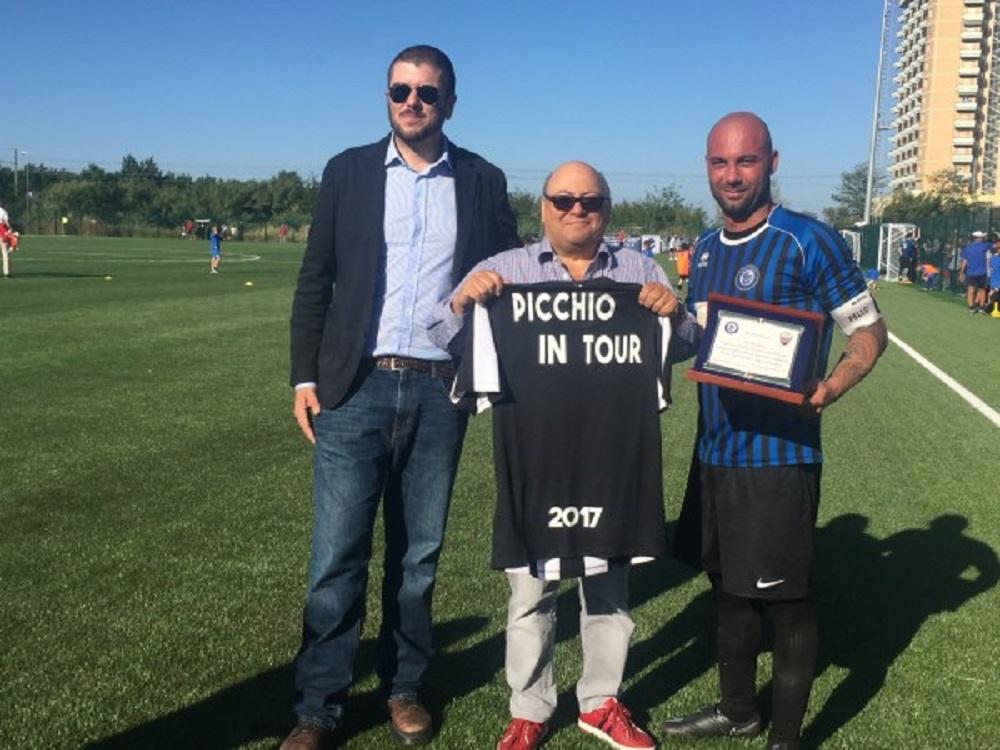 Picchio in tour 2017 prima tappa a Porto San Giorgio con bagno di folla per lAscoli  Piceno Oggi