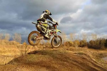 Dirt Bike Riding: Every Tip that You Should Know