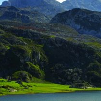 los-lagos-de-covadonga-lago-ercina-picos-de-europa