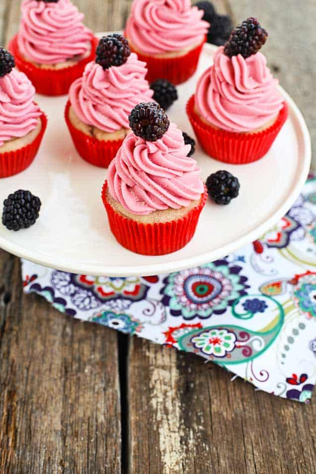 blackberry buttermilk cupcakes