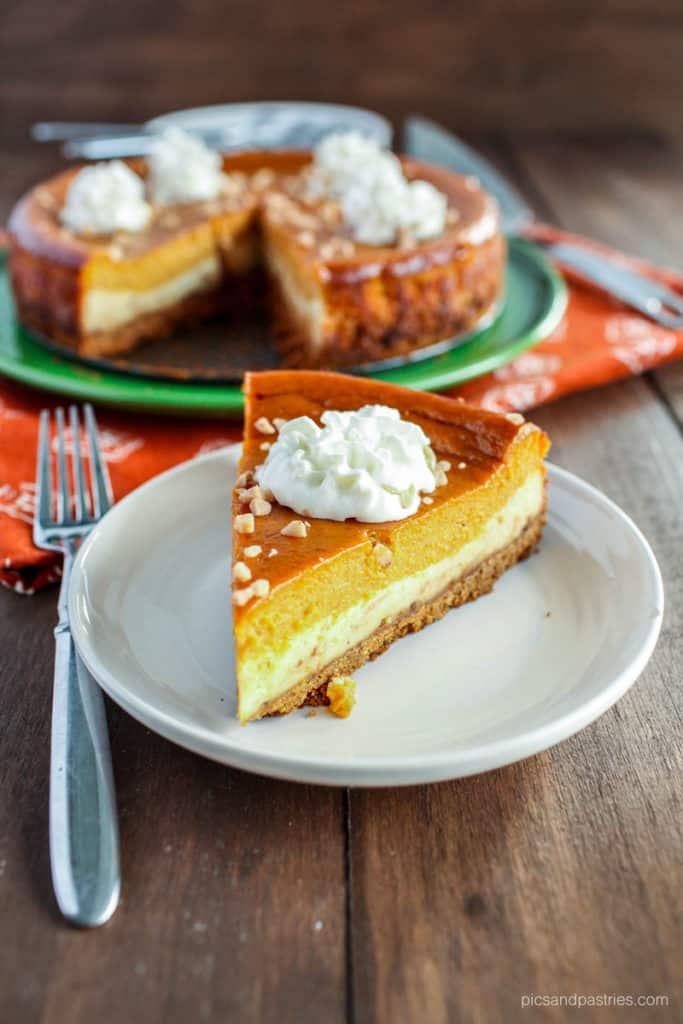 Pumpkin pie toffee cheesecake