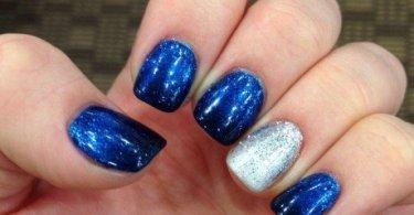 Incredible Blue Silver Nails